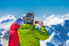 active-alpine-backcountry-skiiing-163168